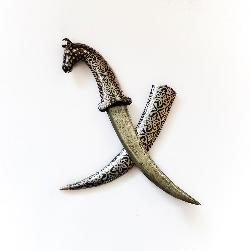 Horse face dagger
