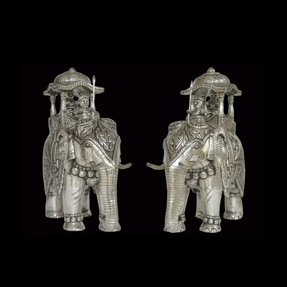 Silver Elephant (with Mahavat & King)
